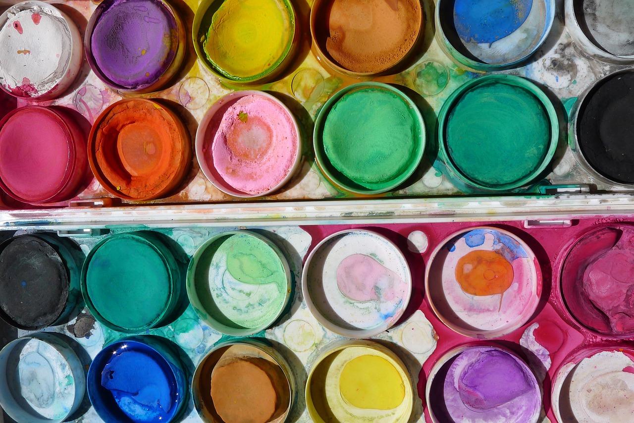【外壁塗装のプロが教える】水性塗料・油性塗料の違いとメリット・デメリット